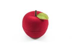 Contenitore di seta di velluto rosso per l'impegno Fotografie Stock Libere da Diritti