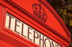 Contenitore di telefono rosso fotografie stock