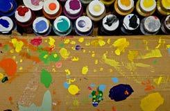 Contenitore di vernice degli artisti fotografia stock