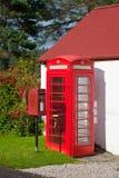 Contenitore rosso britannico di telefono e di postbox Immagini Stock