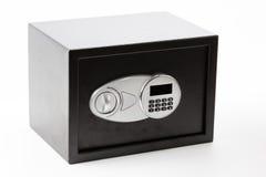 Contenitore sicuro di metallo nero con il sistema bloccato della tastiera numerica fotografia stock libera da diritti