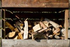 Contenitore tagliato della legna da ardere Immagine Stock
