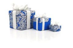 Contenitori blu di regalo su bianco Fotografia Stock Libera da Diritti