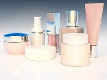Contenitori cosmetici situati su un fondo di legno bianco Immagine Stock