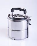 contenitori dei contenitori di alimento o di alimento dell'acciaio inossidabile su un backgrou Fotografia Stock Libera da Diritti