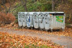 Contenitori dell'immondizia Fotografia Stock