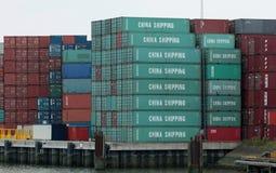 Contenitori della Cina immagazzinati nel porto di Rotterdam Fotografie Stock Libere da Diritti
