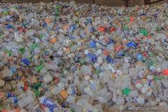 Contenitori di bevanda di plastica Immagini Stock