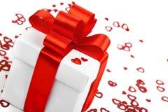 Contenitori di regali con i cuori del tessuto, concetto di giorno di biglietti di S. Valentino Fotografie Stock