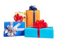 contenitori di regalo avvolti in carta variopinta Fotografia Stock