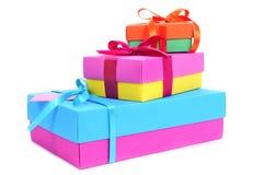 Contenitori di regalo dei colori differenti Fotografie Stock