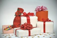 Contenitori di regalo di natale immagini stock