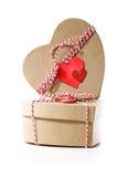 Contenitori di regalo a forma di del cuore con le etichette del cuore Immagine Stock Libera da Diritti