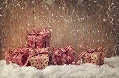 Contenitori di regalo rossi Fotografia Stock