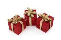 Contenitori di regalo rossi artificiali Fotografie Stock