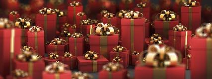 Contenitori di regalo rossi bei con il nastro dell'oro Immagine Stock