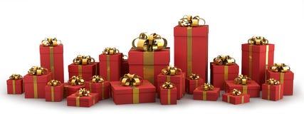 Contenitori di regalo rossi bei con il nastro dell'oro Immagine Stock Libera da Diritti
