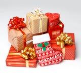 Contenitori di regalo sopra priorità bassa bianca Fotografia Stock Libera da Diritti