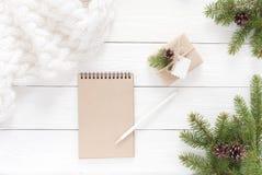Contenitori di regalo su bianco Fotografie Stock