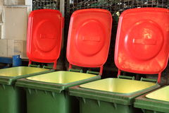 Contenitori di rifiuti utilizzati come luci Immagini Stock Libere da Diritti