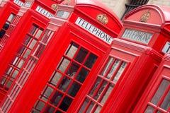 Contenitori di telefono inglesi rossi Fotografia Stock