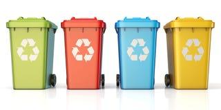 Contenitori per il riciclaggio dello spreco che ordina plastica, vetro, metallo, PA Fotografia Stock