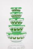 Contenitori per la copertura di verde del frigorifero immagine stock libera da diritti