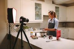 Contenu de enregistrement pour le vlog de nourriture photo libre de droits