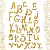 Contexte d'or d'alphabet et de griffonnage de scintillement Alphabet de vecteur Lettres tirées par la main de calligraphie Lettre Images stock