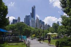 Contexto al Central Park Fotos de archivo libres de regalías