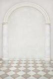 Contexto bonito das colunas e de um arco Fotografia de Stock