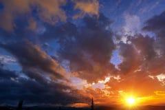 Contexto de Cloudscape do por do sol Imagens de Stock
