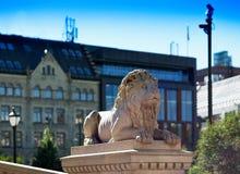 Contexto do bokeh do monumento do leão da pedra de Trondheim Fotografia de Stock