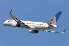 Continental Airlines Boeing 757 airplane takes off from Los Angeles International Airport. Stock Photos