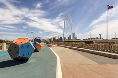 Continentale Weg Voetbrug in Dallas stock foto's