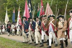 Continentals llega el 225o aniversario de la victoria Yorktown, una reconstrucción del cerco de Yorktown, en donde general Geo Foto de archivo libre de regalías