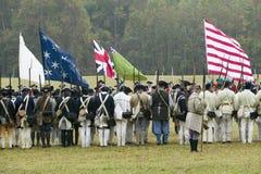 Continentals llega el 225o aniversario de la victoria Yorktown, una reconstrucción del cerco de Yorktown, en donde general Geo Imagen de archivo libre de regalías