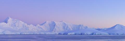 Continente continente antárctico do gelo do panorama Fotografia de Stock Royalty Free
