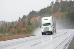 Continuez au camionnage Photographie stock libre de droits