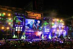 Conto alla rovescia Centralworld 2015 Bangkok, Tailandia Fotografia Stock
