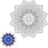 Contorno della mandala sull'elemento floreale della decorazione della decorazione del fondo bianco Immagini Stock