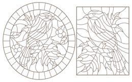 Contorno fijado con los ejemplos de vitrales con los p?jaros en un fondo de las hojas y de las bayas, contornos oscuros en una pi stock de ilustración