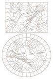 Contorno fijado con los ejemplos de vitrales con los p?jaros en un fondo de las hojas y de las bayas, contornos oscuros en una pi ilustración del vector