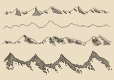 Contornos fijados montañas que graban drenaje de la mano del vector Fotos de archivo