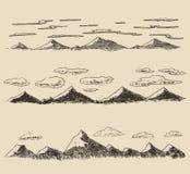 Contornos fijados montañas que graban drenaje de la mano del vector Foto de archivo libre de regalías