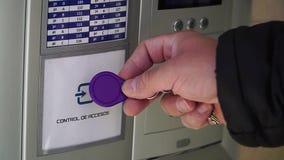 Contrôle d'accès principal électronique Clé d'étiquette de RFID pour ouvrir la porte banque de vidéos