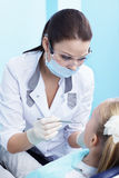 Contrôle dentaire images stock