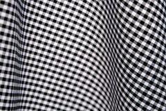 Contrôles noirs et blancs de guingan Photos stock