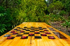 Contrôleurs dans la vue de perspective dans un jardin photo libre de droits