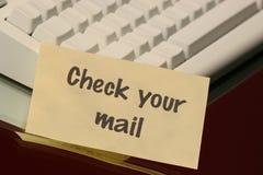 Contrôlez votre message de courrier Photo stock